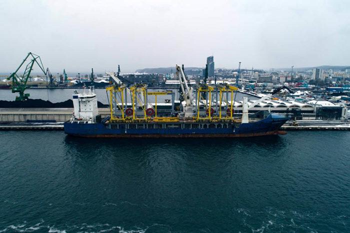 Видео дня: судно «Pottersgracht» перевозит краны из Польши в Израиль