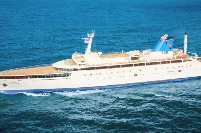 Круизный лайнер стал базой для смены экипажей