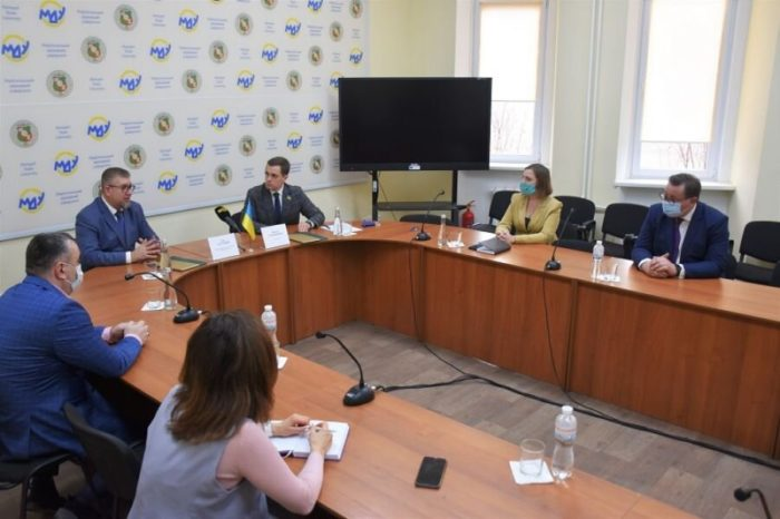 Впервые Мариупольский торговый порт заключил договор с вузом Донбасса