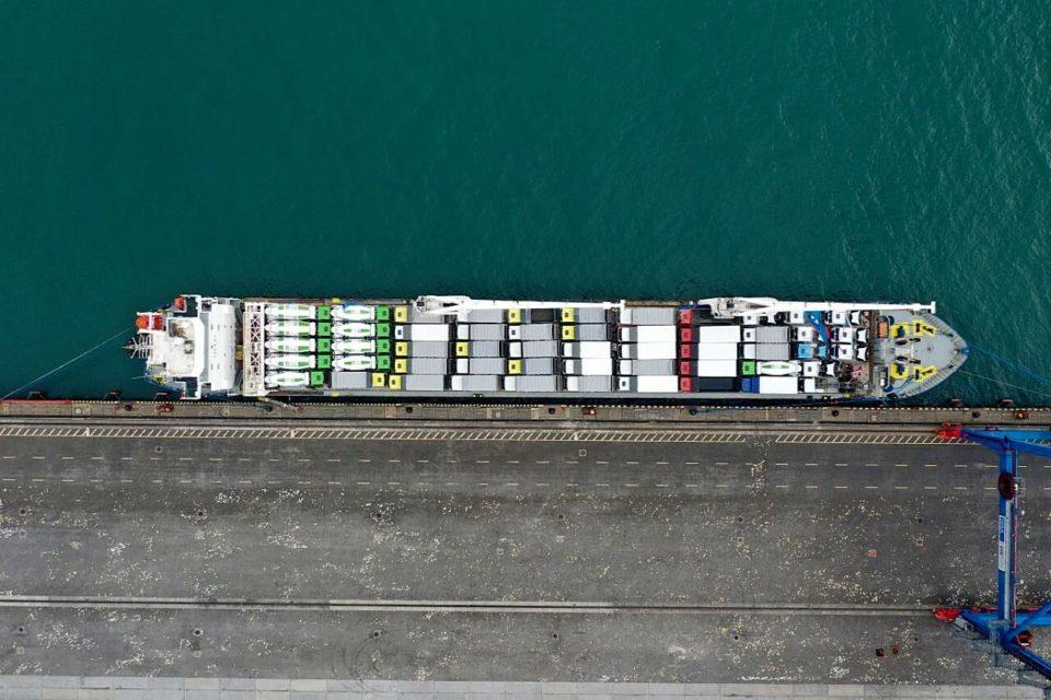 Накатная техника на балкерном судне: гибкий подход к решению логистических задач
