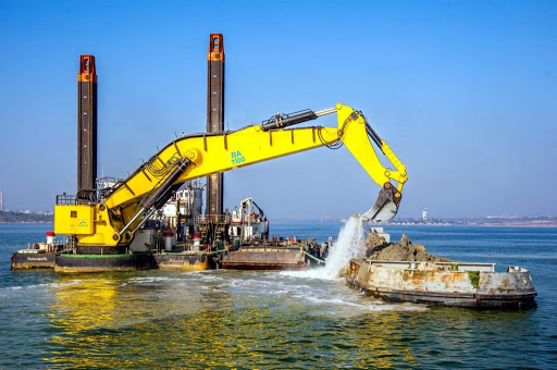 АМПУ выполнили дноуглубительные работы в размере 5 млн кубометров в 2020 году