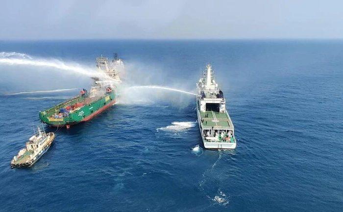 Моряки погибли при пожаре на судне в Аравийском море