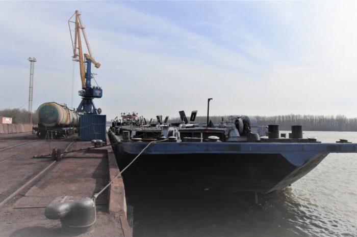 В Измаильском порту впервые за пять лет перевалили партию жидких удобрений (ФОТО)