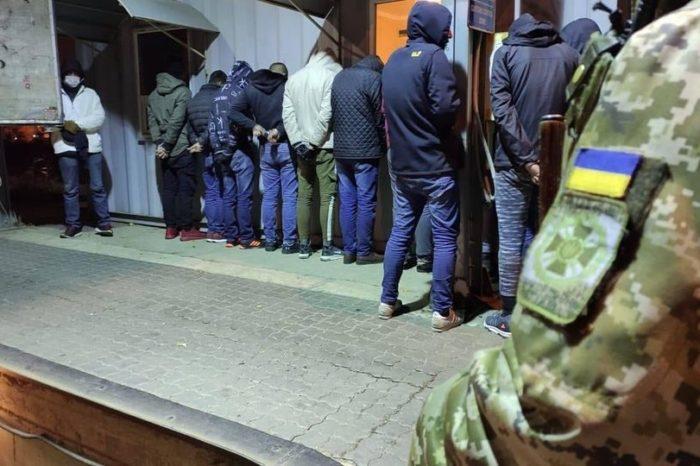 Пограничники разоблачили канал незаконной миграции через Украину