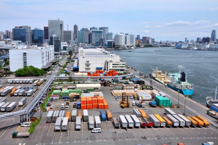 Япония отменила портовые сборы для судов на СПГ и водороде