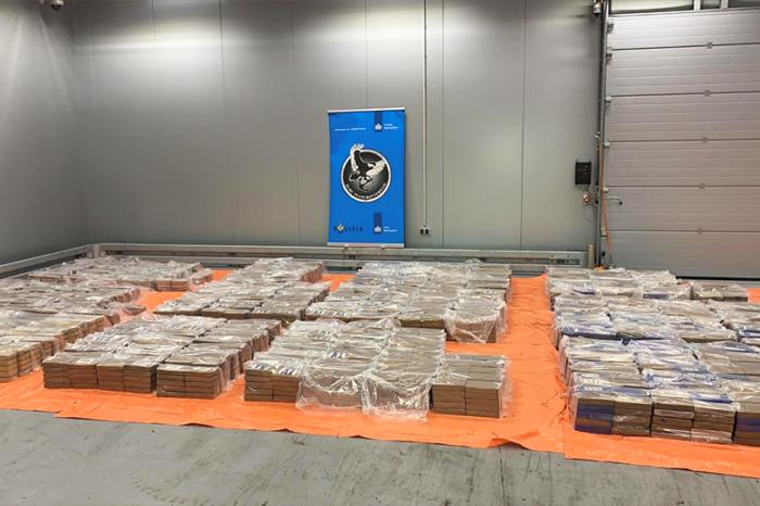 В порту Роттердама обнаружили более 4 тонн кокаина