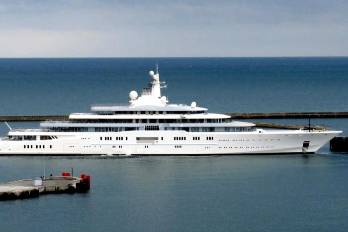 Видео дня: как выглядит самая дорогая яхта в мире