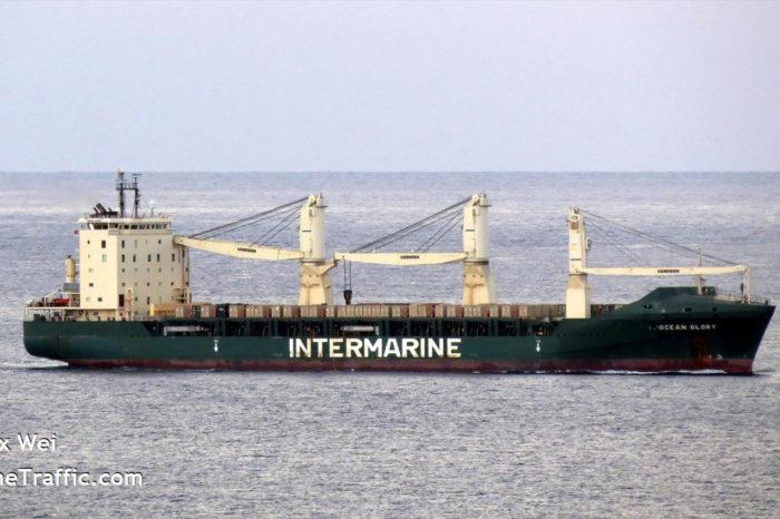 В Одесский порт прибыл американский сухогруз с армейскими внедорожниками для ВСУ