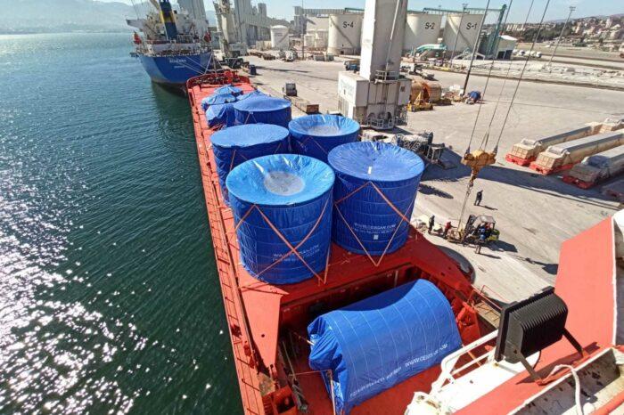 Фото дня: доставка негабаритного груза через порт Черноморск