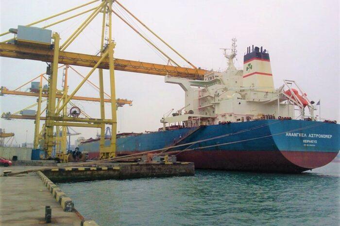 В порту Черноморск заменят отбойные устройства на причалах