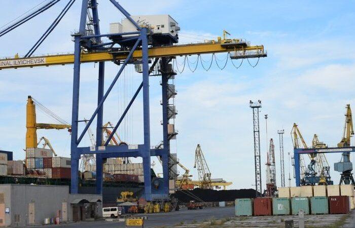 Контейнерный терминал порта Черноморск вернут в госсобственность