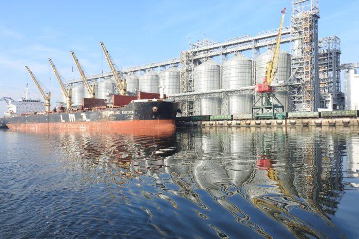 Николаевский порт перевалил почти 6 млн тонн грузов