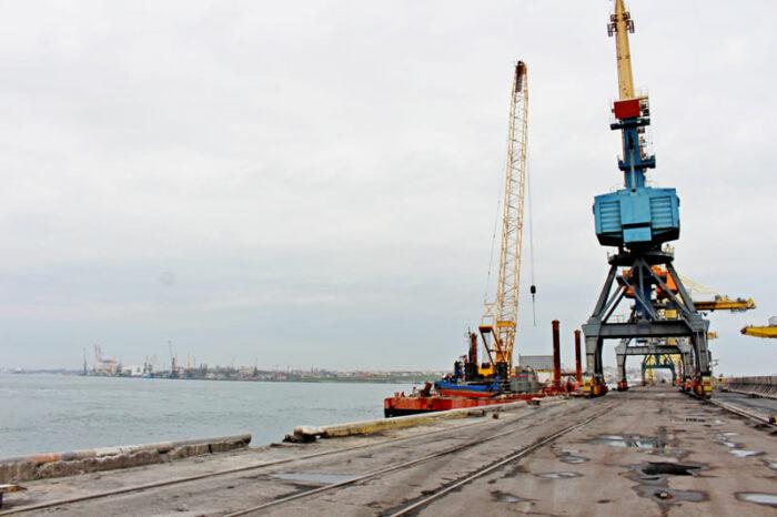 В порту Черноморск начался капремонт причала №2 (ФОТО)