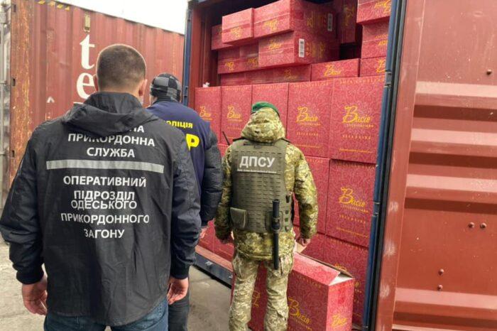 В Одесском порту разоблачили масштабную контрабанду сигарет из ОАЭ (ВИДЕО)