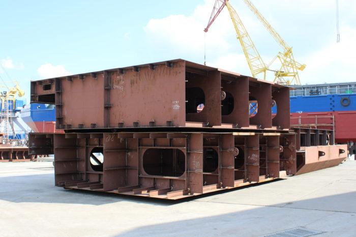 В «Нибулоне» уже собрали закладные секции нового несамоходного судна