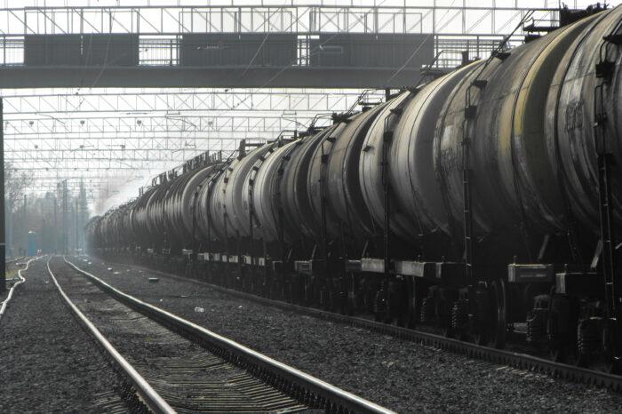 УЗ сможет вывозить через морские порты до 200 тыс. тонн нефтепродуктов ежемесячно