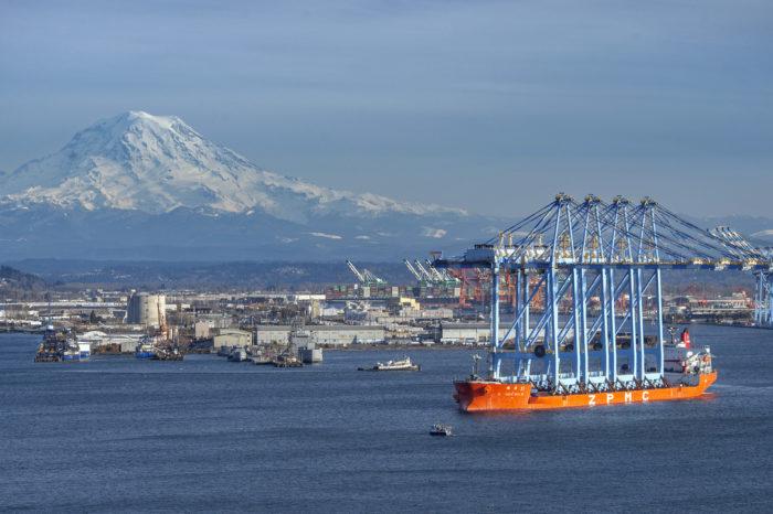 Порты Канады и США планируют сократить выбросы в атмосферу от судоходства