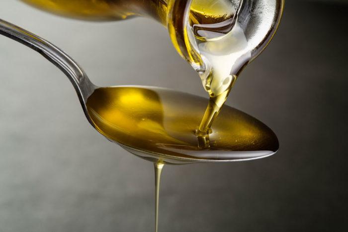 Масло по квотам: в Украине могут ввести квотирование экспорта подсолнечного масла
