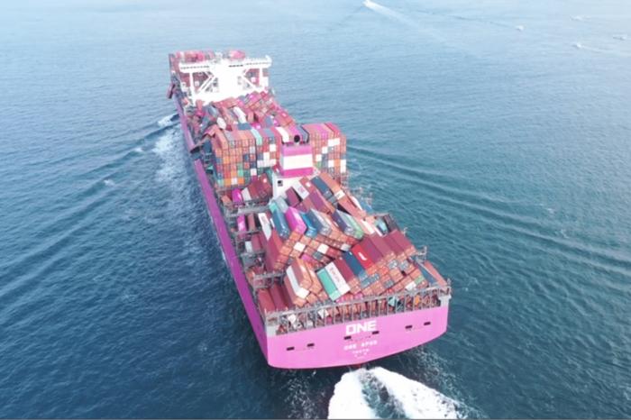 В прошлом году суда потеряли в море более 3 тыс. контейнеров