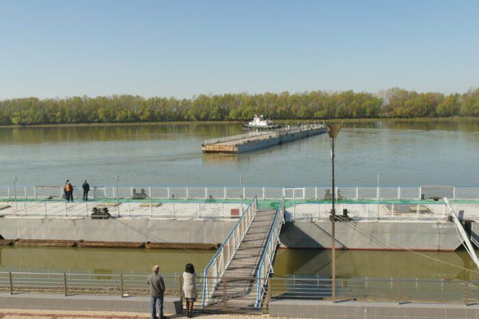 Измаильский порт отправил три плавпричала на ремонт в Херсон