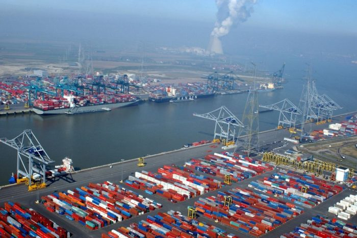 Порт Антверпен готовится к загрузке своих терминалов из-за пробки в Суэцком канале