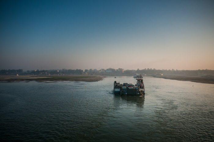 В Бангладеш затонул паром с людьми на борту, есть погибшие