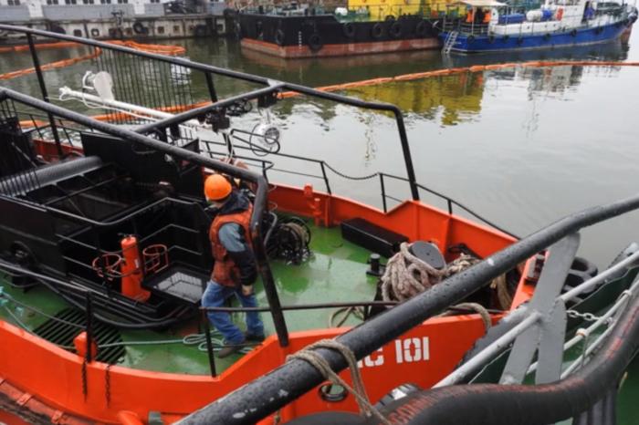 В Николаевском порту провели учения по ликвидации пожара и разлива нефтепродуктов