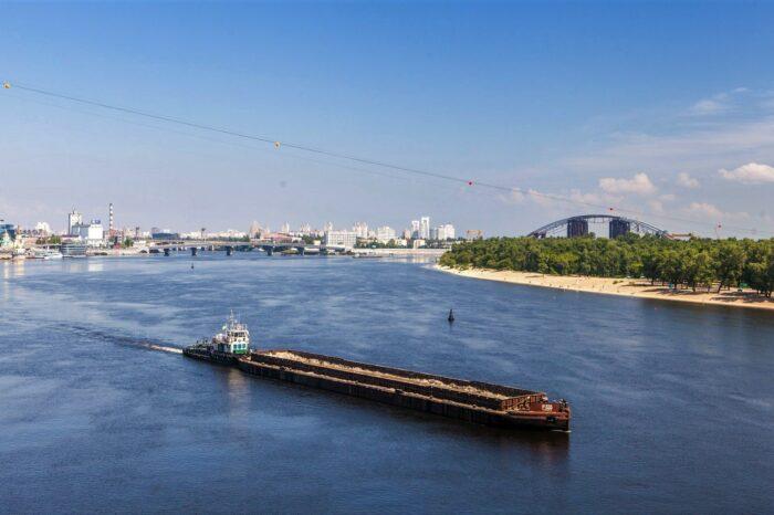 В Украине запустили экспериментальный проект доступа к рынку речных перевозок