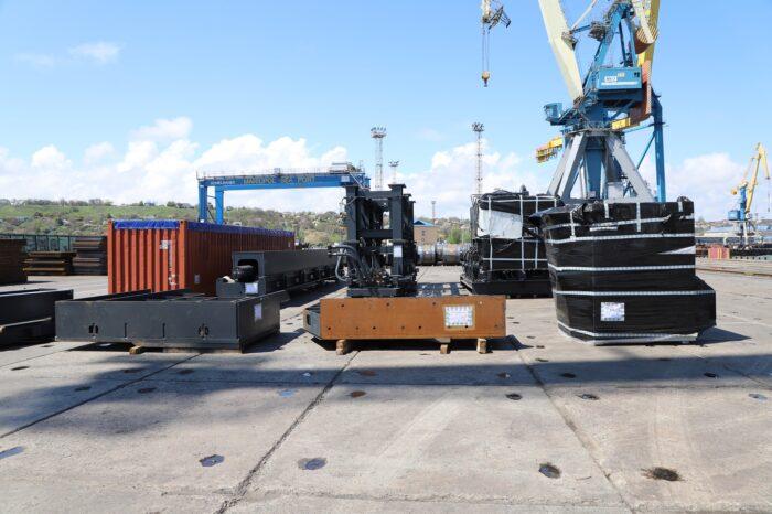 Мариупольский порт принял второй негабаритный груз для «Азовстали»