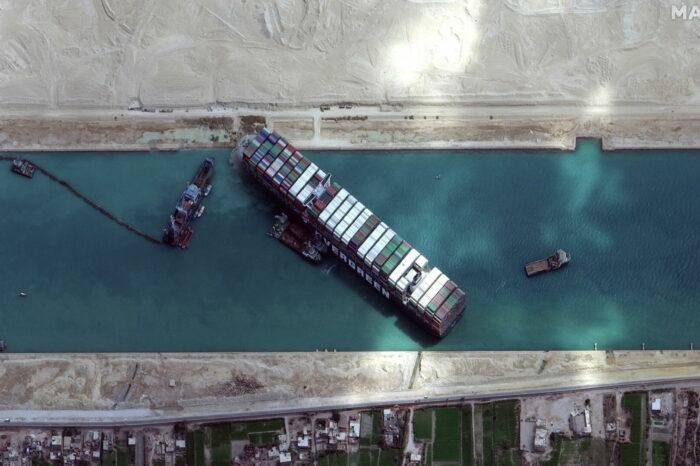 Ever Given: власти Суэцкого канала заявили о вине капитана и погибшем сотруднике