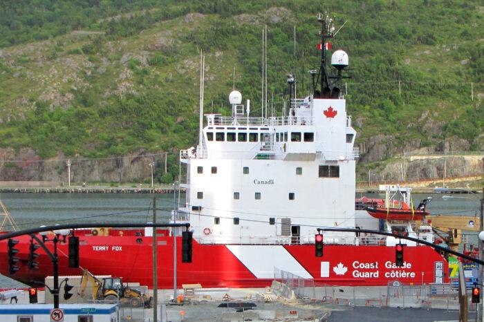 В Канаде построят два ледокола