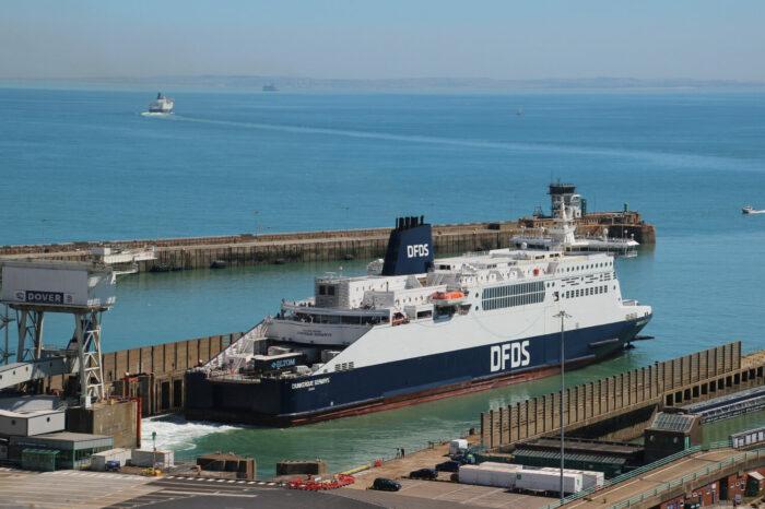 DFDS и P&O Ferries договорились о фрахтовании мест на судах на паромном маршруте Дувр – Кале