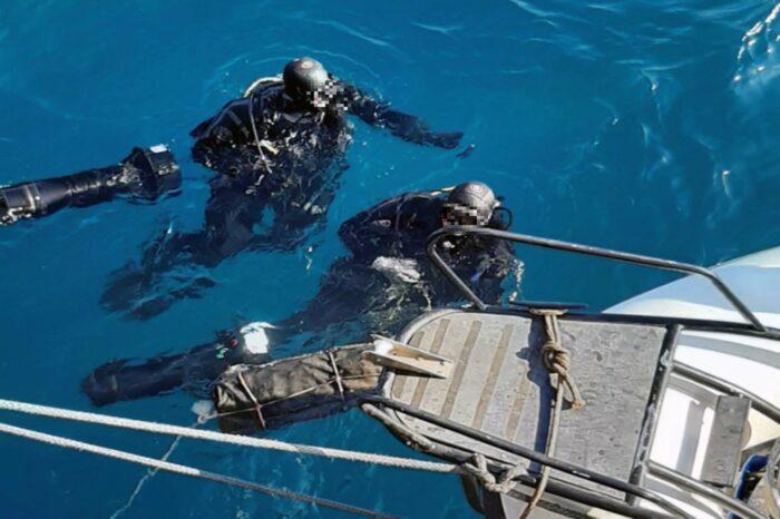 Почти 50 кг кокаина нашли на корпусе балкера под водой (ВИДЕО)