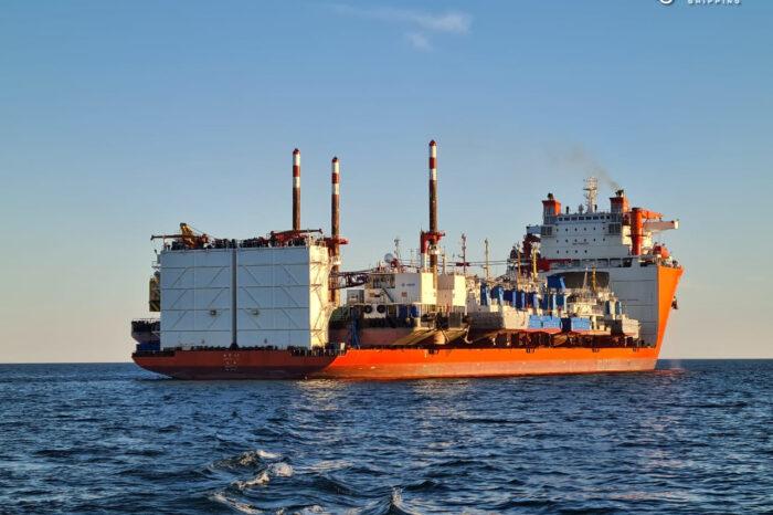 Судно Zhen Hua 33 удачно погрузилось и покинуло порт Черноморск