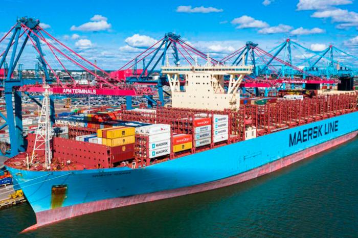 Alphaliner опубликовал топ-100 крупнейших судоходных компаний мира