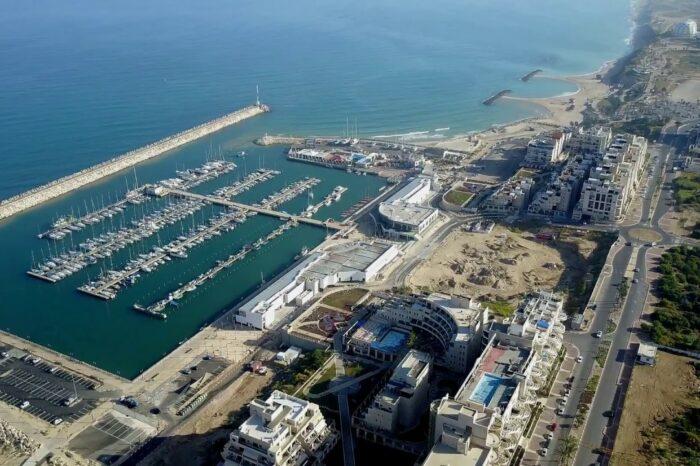 Два порта в Израиле закрыли из-за ракетных обстрелов