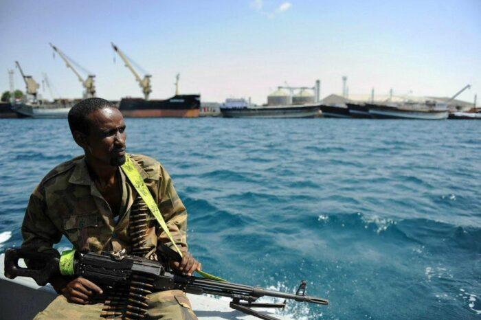 BIMCO подготовили проект декларации о борьбе с пиратством в Гвинейском заливе