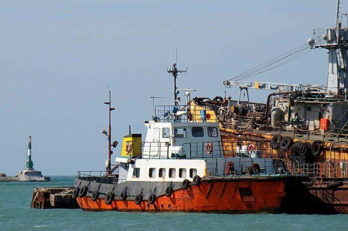 АМПУ передала Военно-морским силам Украины разъездной катер