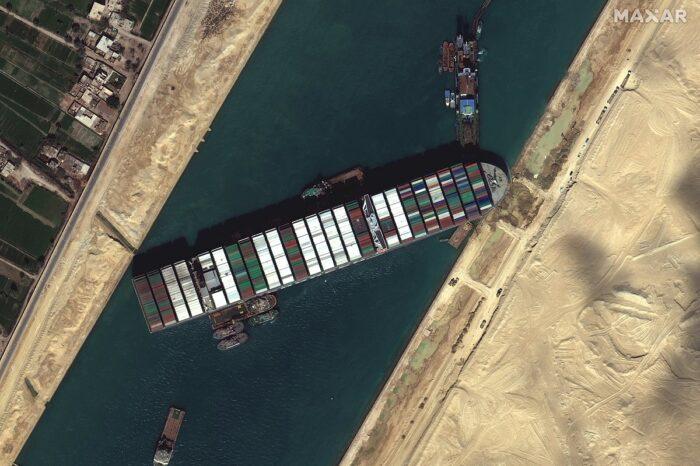Египет будет расширять Суэцкий канал
