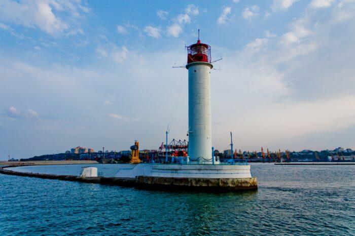 «Госгидрография» ограничила доступ к маякам из-за «особого периода» в стране