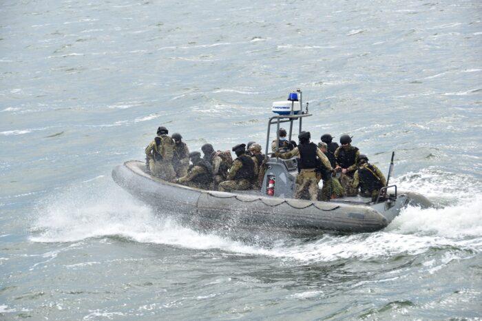 В Одессе ВМСУ отработали высадку на подозрительное судно