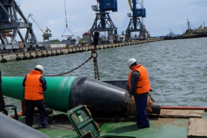 В Мариупольском порту появились новые буи (ФОТО)