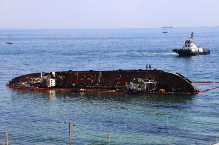 Прокуратура проверяет действия капитании Одесского порта во время аварии Delfi