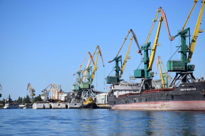 В Николаевском порту выявили иностранцев, которые незаконно посещали Крым