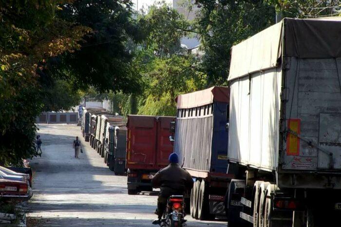 Власти Херсона намерены привлечь портовых операторов к восстановлению дорог города