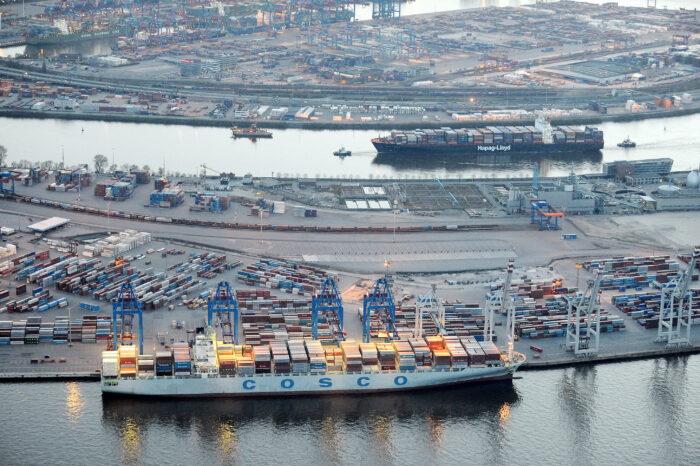 COSCO может стать первым иностранным оператором в порту Гамбурга