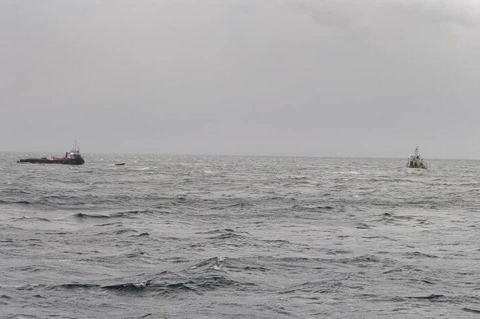 В Бенгальском заливе с тонущего буксира спасли 9 моряков