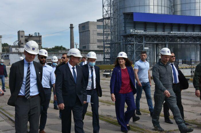 В Мариупольском порту представители ОБСЕ обсудили безопасность судоходства