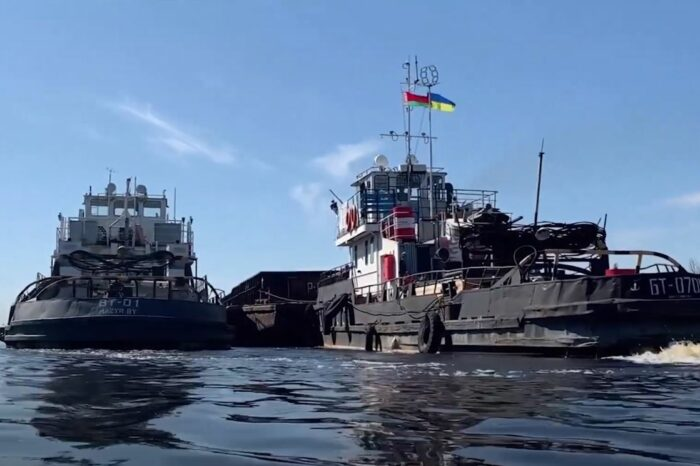 Украина усилила контроль судов, идущих из Беларуси