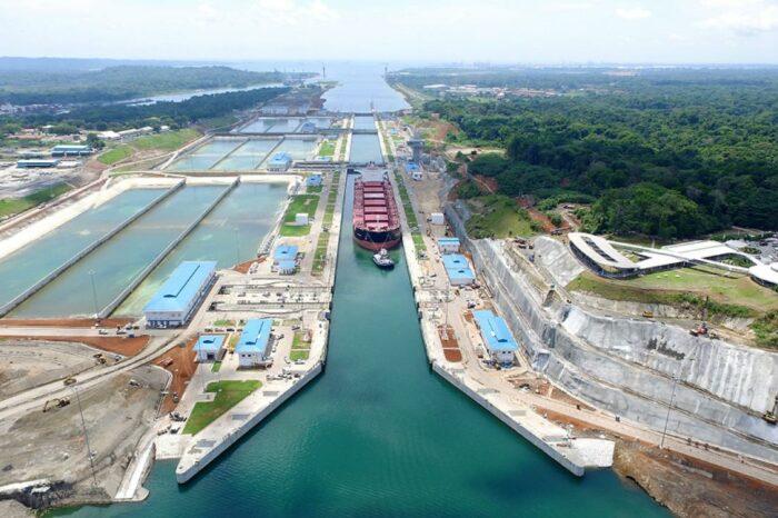 Панамский канал увеличил допустимую длину транзитных судов